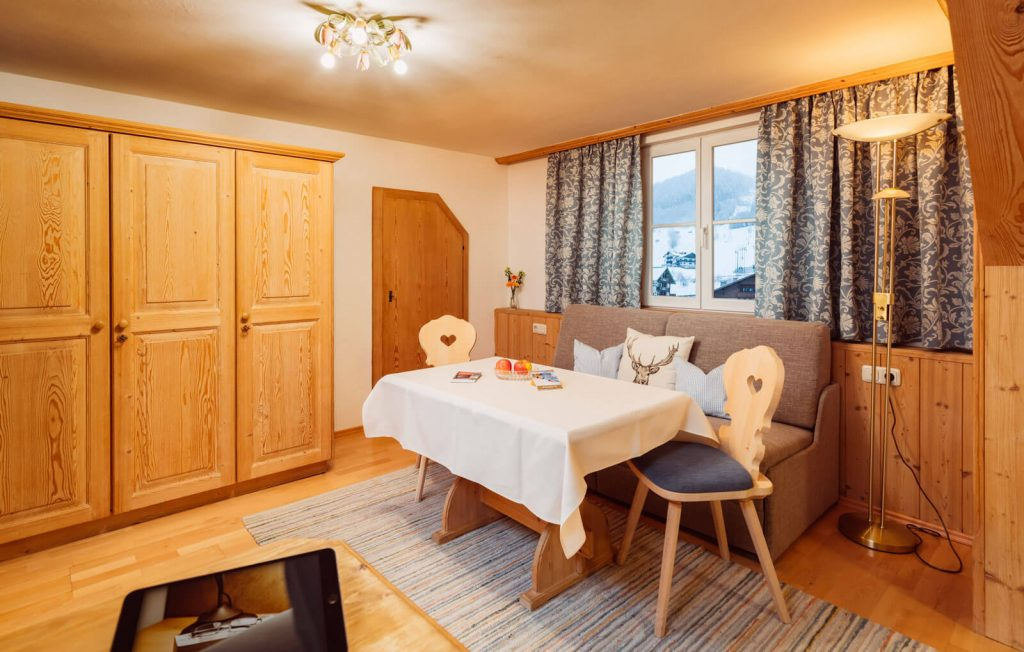 Wohnbereich Familienzimmer Bergblick