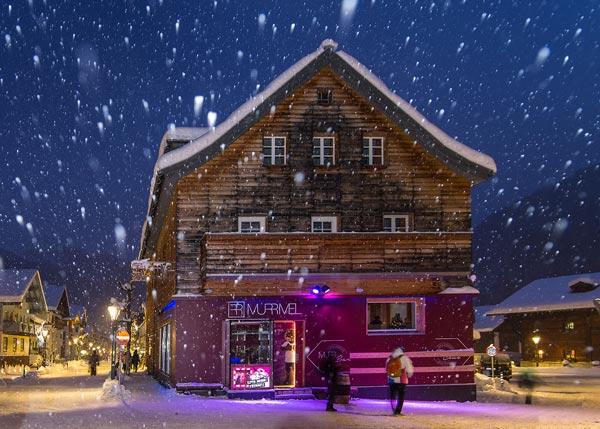 Murrmel Bar bei Nacht und Schneefall